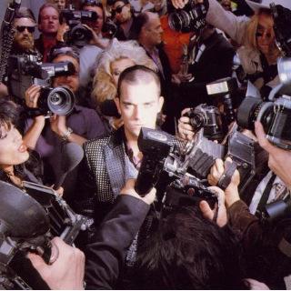 16 1997 Robbie Williams - Life Thru A Lens.jpg